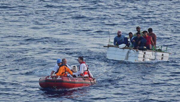 地中海で船が転覆 移民約400人が死亡 - Sputnik 日本