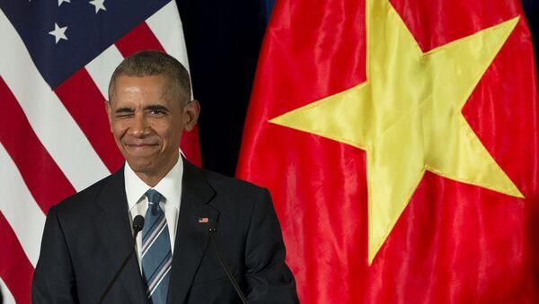 Президент США Барак Обама во время визита в Ханой - Sputnik 日本
