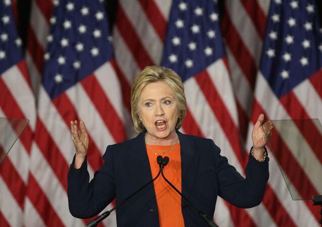 クリントン氏:米大統領選敗北の一因は2期を務めたオバマ元大統領にも