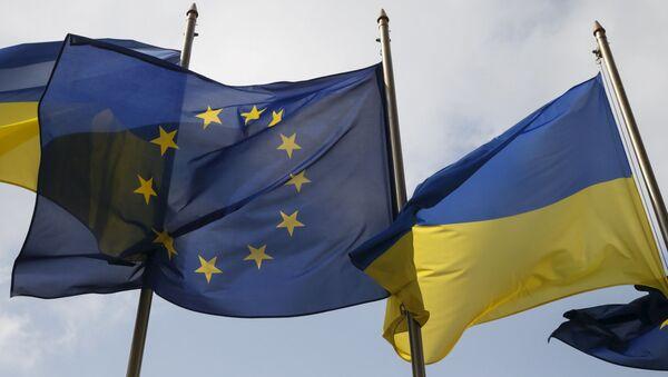 Флаги Евросоюза и Украины в Киеве - Sputnik 日本