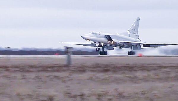 ロシア爆撃機、シリアのダーイシュ施設を爆撃 - Sputnik 日本