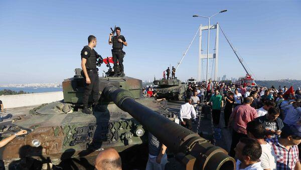 クーデターの夜、トルコ警察はアンカラへのミサイルの輸送を阻止していた - Sputnik 日本