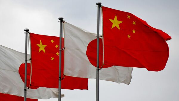 日本と中国の旗 - Sputnik 日本