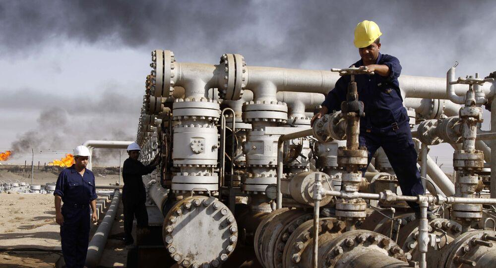 イラク、OPEC減産合意を背景にアジア顧客に対し6月と7月の複数の原油貨物の引き取り放棄を求める