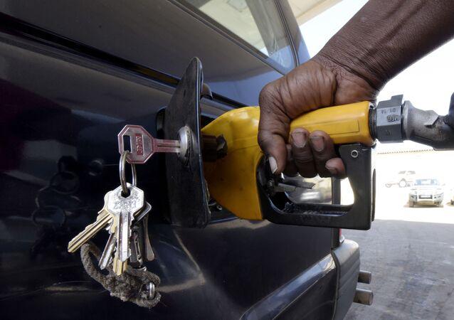 6週連続でガソリン高騰 約7年ぶりの高値