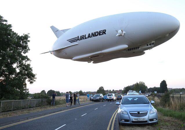世界最大の飛行機「エアランダー10」