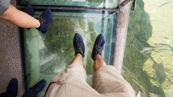 中国で 中国で世界最長のガラスの橋がオープン - Sputnik 日本