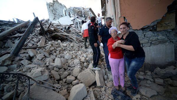 イタリア地震 少なくとも100人が行方不明 - Sputnik 日本