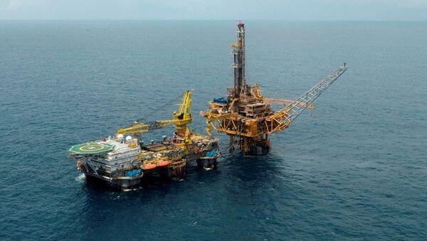 Стационарной морской платформы Биен Донг на месторождении Мок Тинь во Вьетнаме - Sputnik 日本