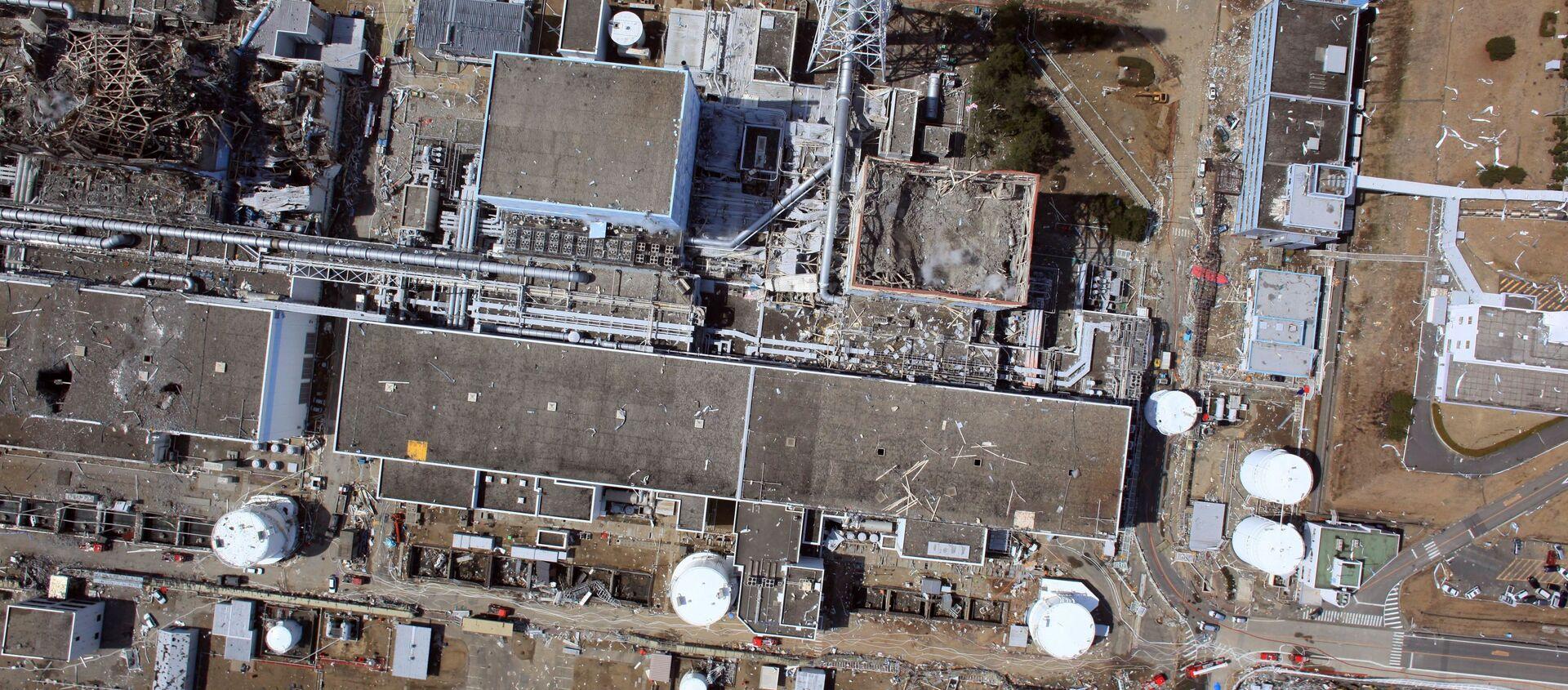 Вид сверху на разрушенную АЭС Фукусима-1 - Sputnik 日本, 1920, 08.03.2021