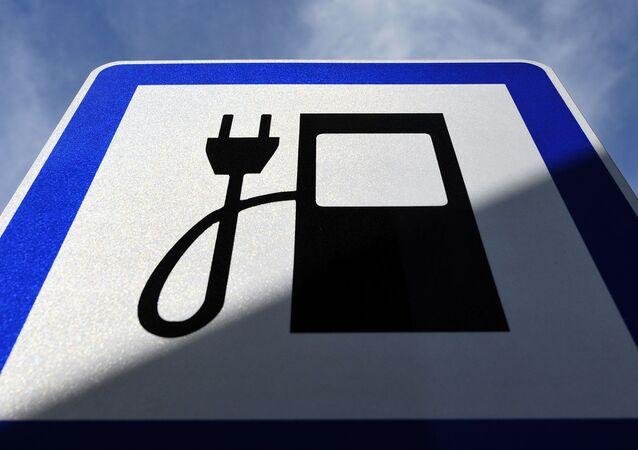 カナダ 2035年に向け排気ガスゼロの自動車のみを販売