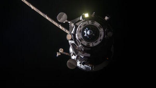 「プログレスM-27M」、太平洋上空の厚い大気の層で燃える - Sputnik 日本