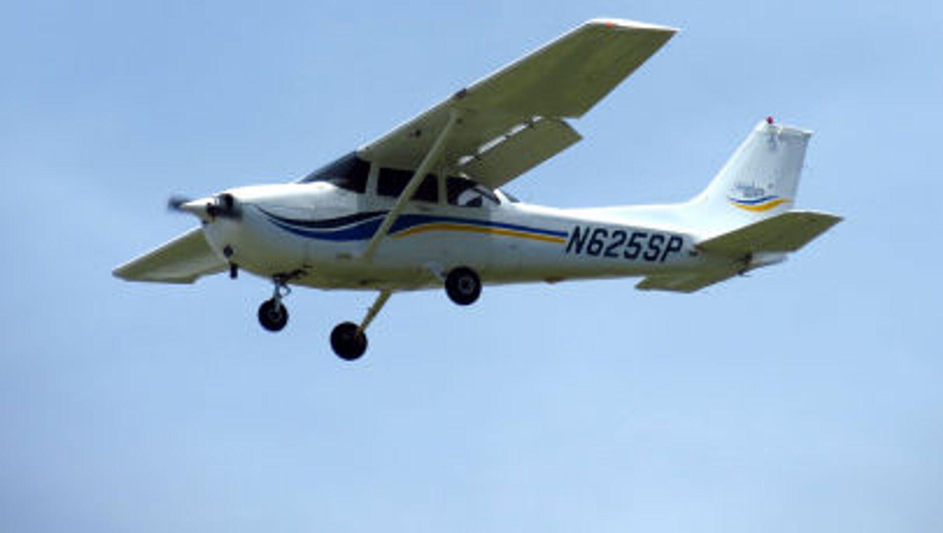 Легкомоторный самолет модели Cessna 172 - Sputnik 日本, 1920, 01.10.2021