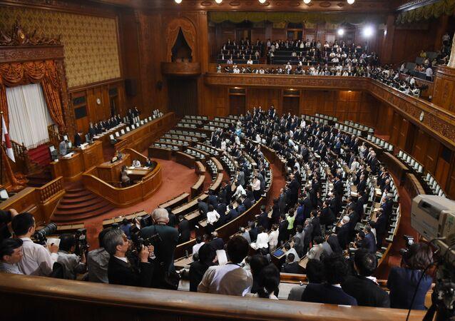 日本 自民党総裁選が告示 4名が立候補の届け出を行う