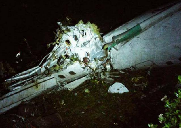 コロンビアでサッカークラブ「シャペコエンセ」の飛行機事故-13人生存
