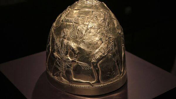 Шлем из коллекции скифского золота, выставленный в музее Амстердама - Sputnik 日本