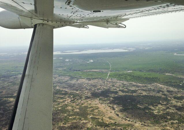 南スーダンの旅客機墜落 14人が搬送