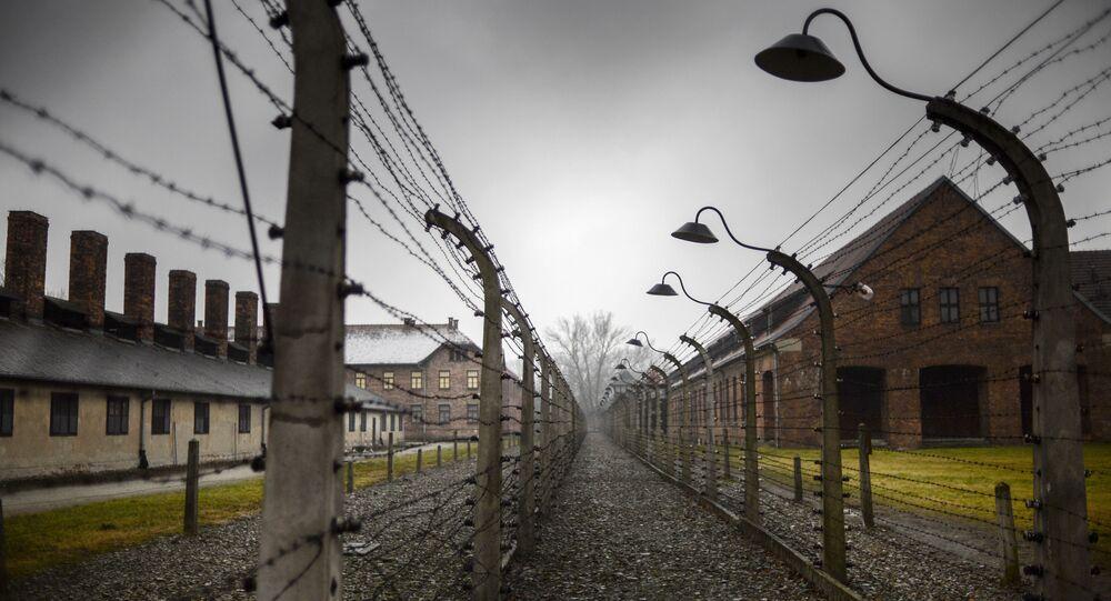 審理から逃亡 ナチス加担の96歳ドイツ人老女を警察が逮捕