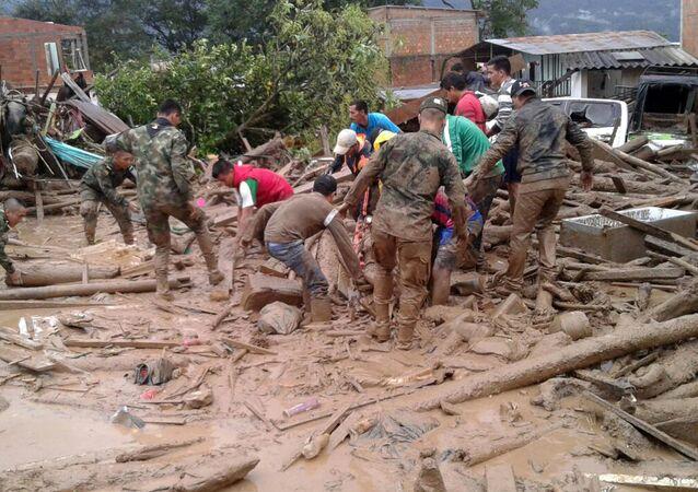 コロンビア土砂崩れ