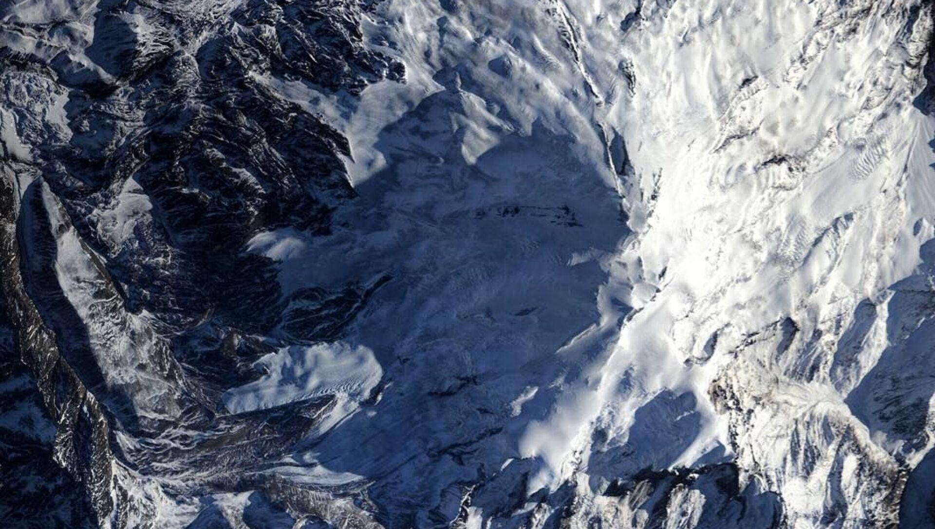 間一髪で雪崩が停止 ロシアのスキーリゾート地 - Sputnik 日本, 1920, 25.09.2021