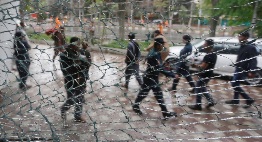 カブールで自爆テロ NATO兵士3人が負傷