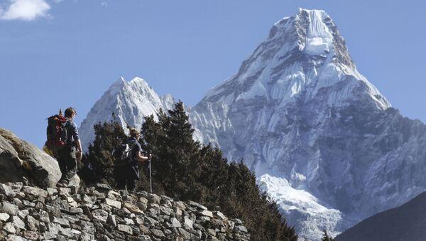 ポーランド人、エベレスト山越えで違法 チベット側からネパールへ - Sputnik 日本