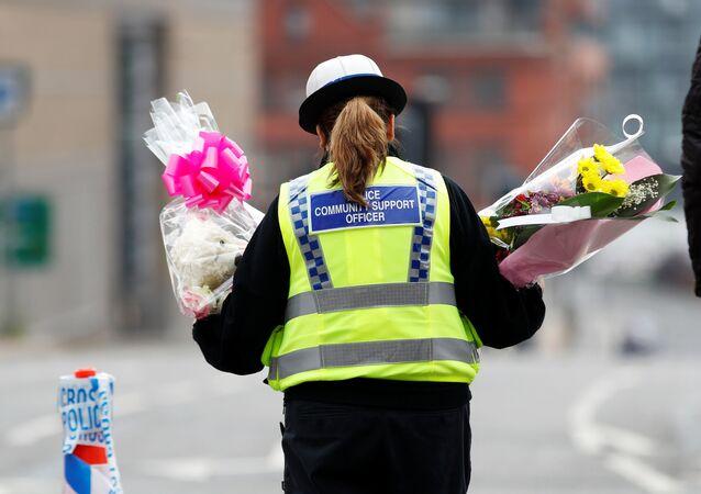 マンチェスター暴破テロ 警察、死亡者人物特定を 写真がメデイアに【写真】
