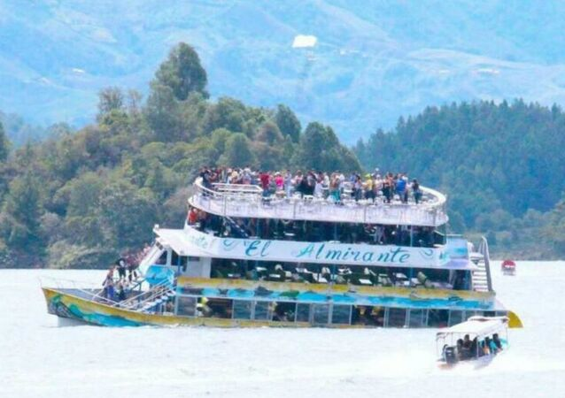 コロンビアで150人乗客の船が沈没 死亡者3人【写真】