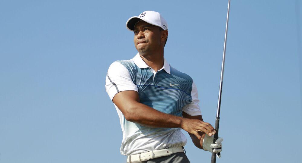 ゴルフ タイガー・ウッズが薬物依存治療プログラムを終了と報告