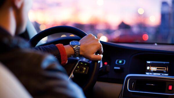 神奈川 接触事故で運転手を逮捕 無免許で50年以上運転か - Sputnik 日本