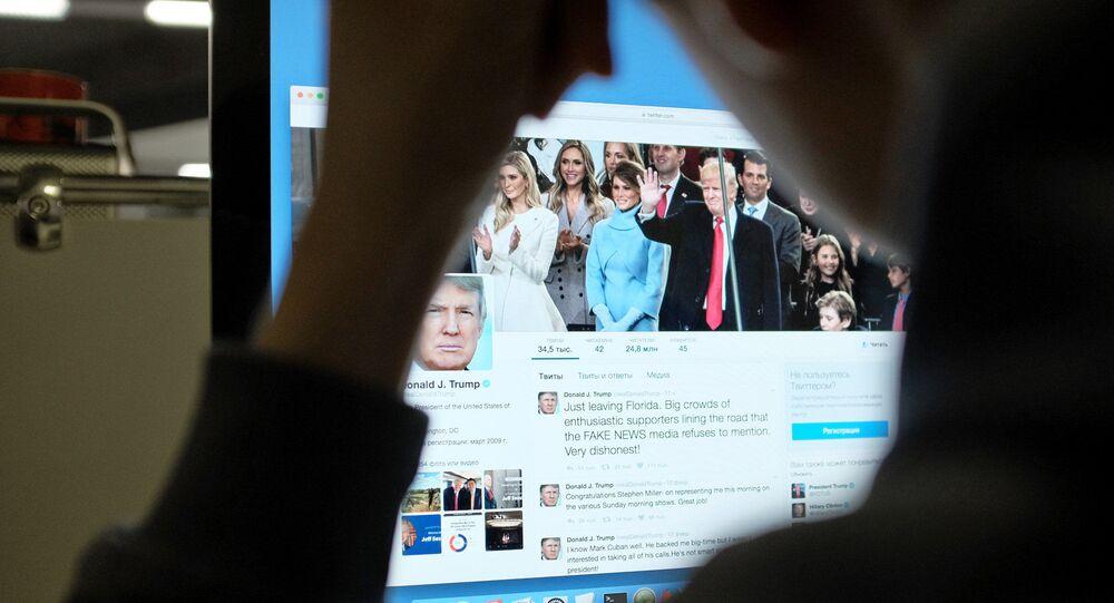 トランプ大統領のツイッター(アーカイブ写真)