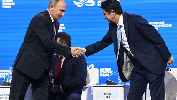 安倍首相 日露間の平和条約は私とプーチン氏が手ずから調印せねばならない - Sputnik 日本