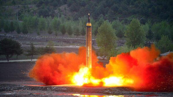 「火星12」ミサイル  北朝鮮 - Sputnik 日本