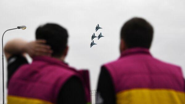 ロシア国境 一週間で航空機40機が偵察飛行  - Sputnik 日本