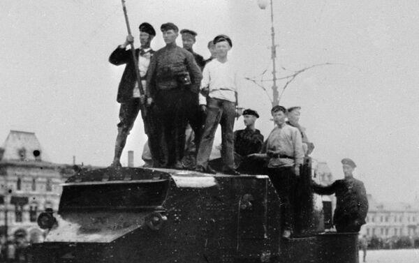 1917年モスクワ 赤の広場の戦車と労働者たち - Sputnik 日本