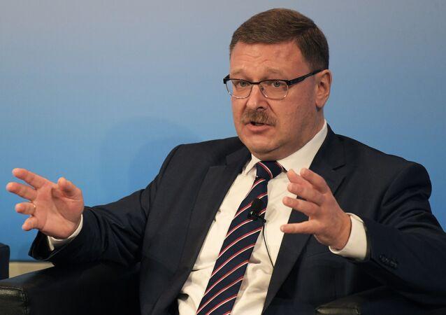 露上院国際問題委員長のコサチョフ氏