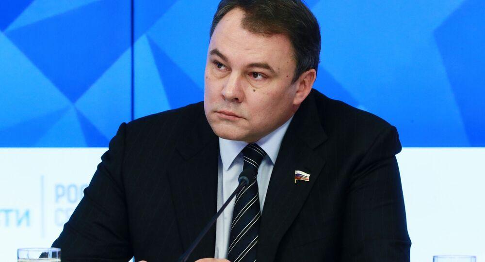 ロシア下院(国家会議)のピョートル・トルストイ副議長
