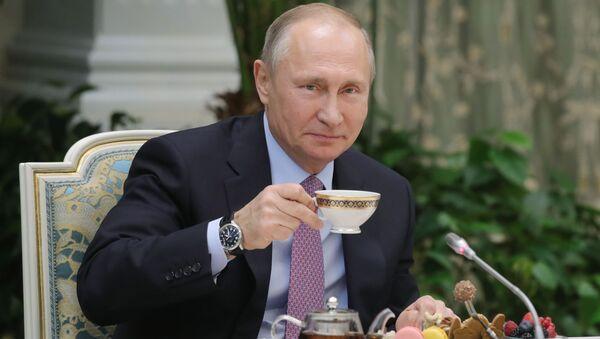 プーチン大統領のマグカップ、中国通販サイトでヒット商品に - Sputnik 日本