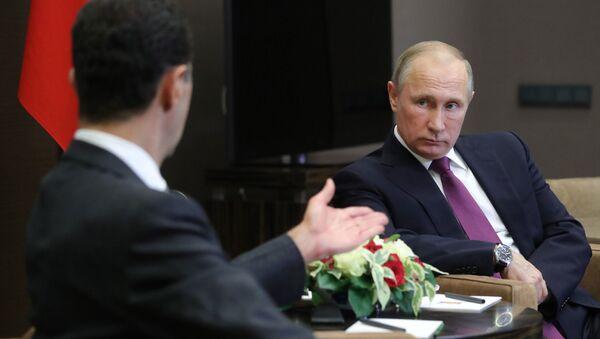 Президент РФ Владимир Путин и президент Сирии Башар Асад во время встречи - Sputnik 日本