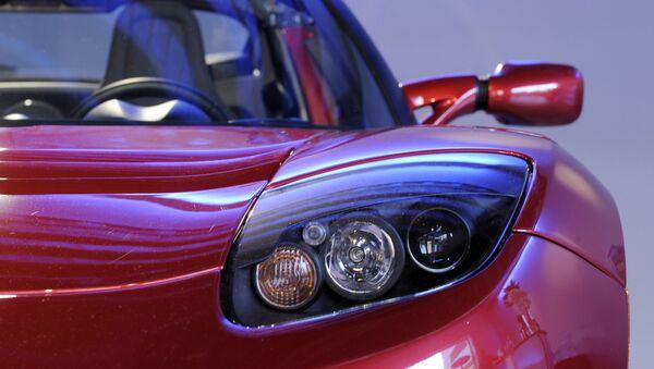 Tesla Roadster  - Sputnik 日本