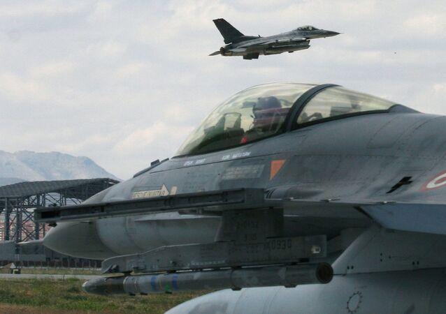 トルコ空軍、 F-16 ВВС 戦闘機(アーカイブ)