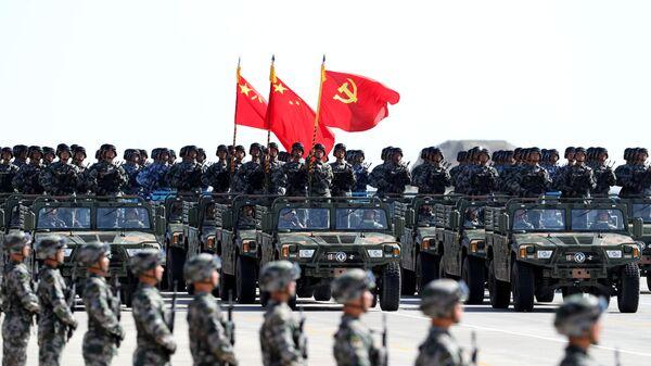 El Ejército de China durante el desfile militar - Sputnik 日本