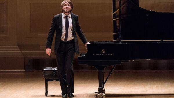 Пианист Даниил Трифонов - Sputnik 日本