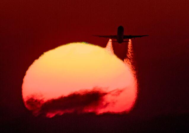 ロシア政府、定期便とチャーター便の完全な運航停止を指示
