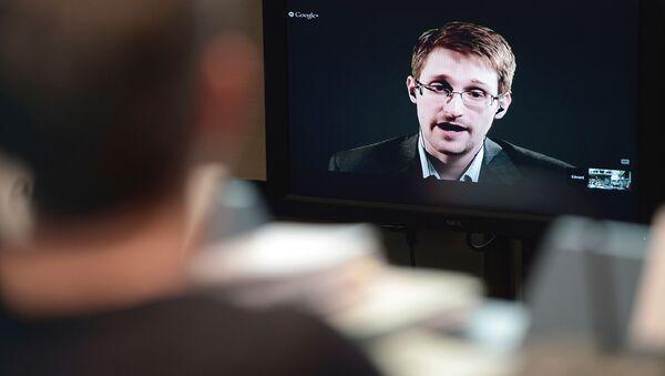 スノーデン氏 スパイウェア取引に対し世界的な停止を呼びかけ - Sputnik 日本