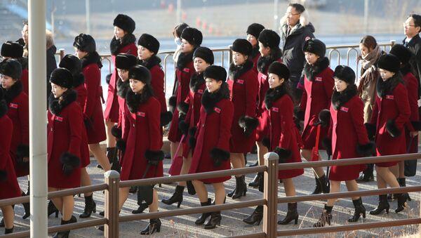 北朝鮮のチアリーダー軍団、平昌に到着し始める - Sputnik 日本