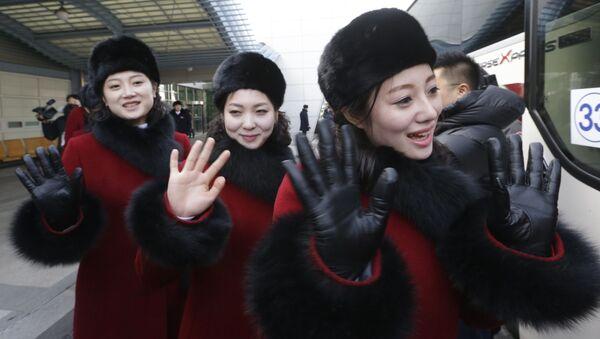Северокорейские чирлидерши прибывают на Зимнюю Олимпиаду 2018 - Sputnik 日本