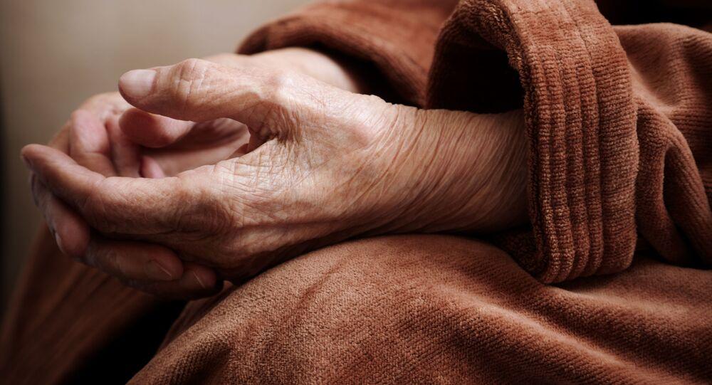 ムーディーズ、高齢化による世界の経済成長の鈍化を予測