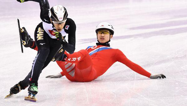 ショートトラックの北朝鮮選手が日本人選手を妨害して失格 - Sputnik 日本
