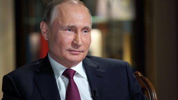 Президент РФ Владимир Путин дает интервью в Калининграде - Sputnik 日本
